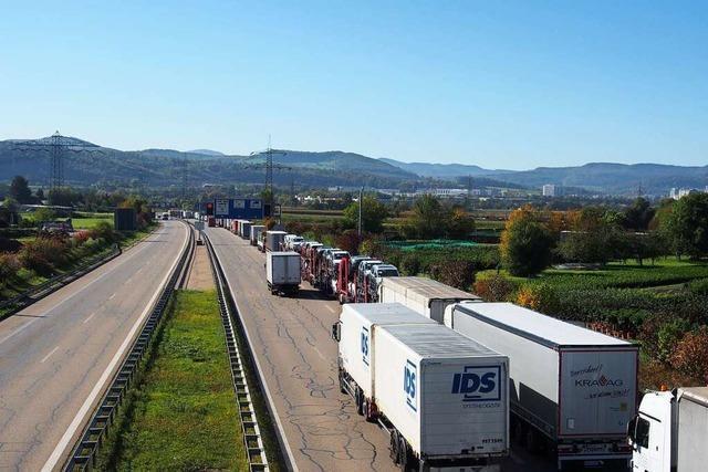 A98 wird vor dem Nollinger Bergtunnel vollgesperrt