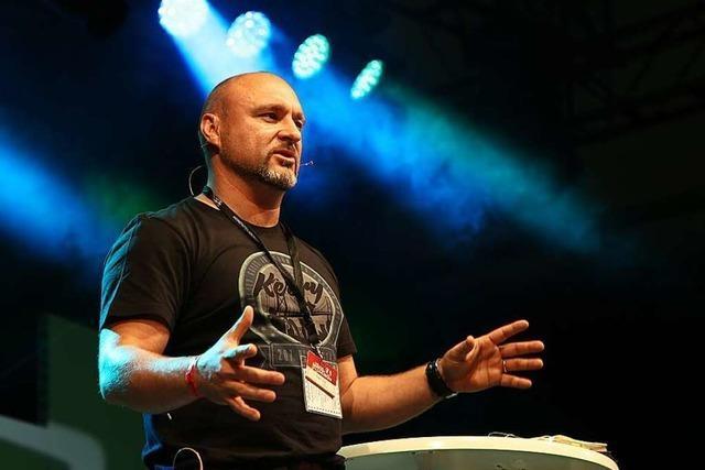 Wie der Wanderprediger Pawel Step Gewalt gegen Glauben tauschte