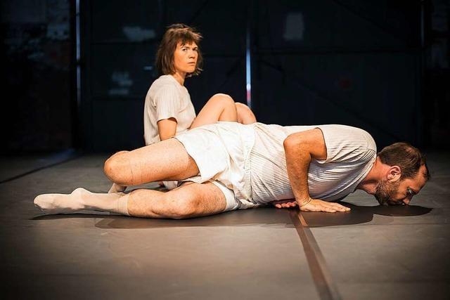Zwei Freiburger Performances untersuchen den Körper