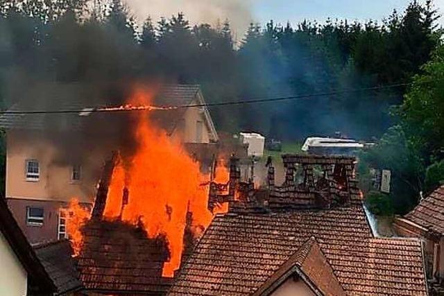 In Lahr-Reichenbach brennt eine Scheune komplett ab