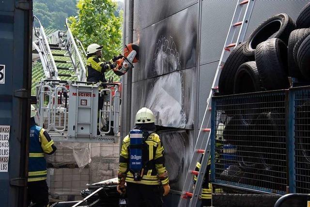 Großbrand bei Autohaus wurde knapp verhindert