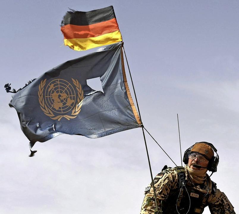 Gefährliches Unternehmen: ein deutsche...dat der Minusma-Mission in Mali (2018)  | Foto: SEYLLOU (AFP)