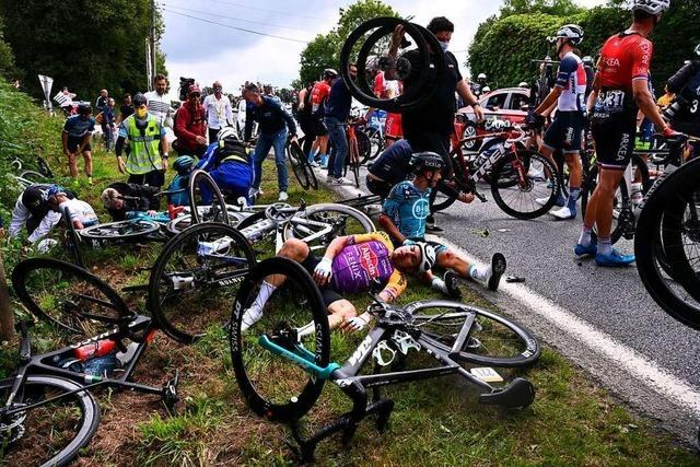 Warum stürzen so viele Radrennfahrer?