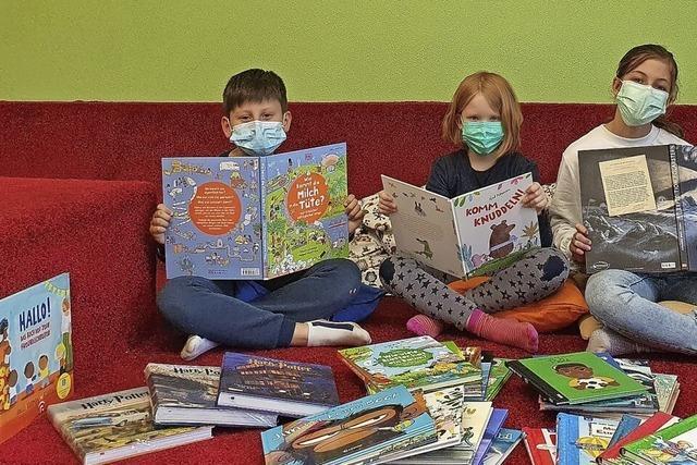 Bücherspende für Kohlenbach-Grundschule