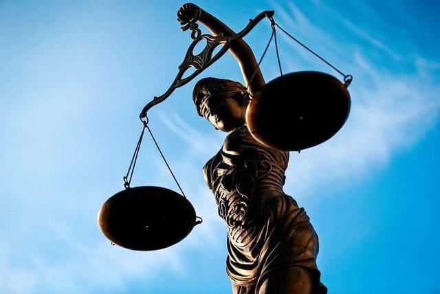 Nach Geständnis: 61-Jähriger wird zu Freiheitsstrafe auf Bewährung verurteilt