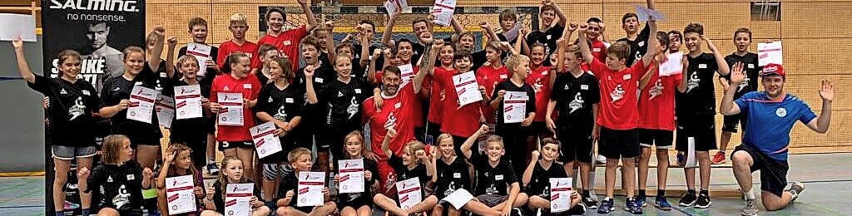<BZ-FotoAnlauf>HSV SCHOPFHEIM:</BZ-Fot...tjährige Camp hat viel Spaß gemacht.      Foto: HSV