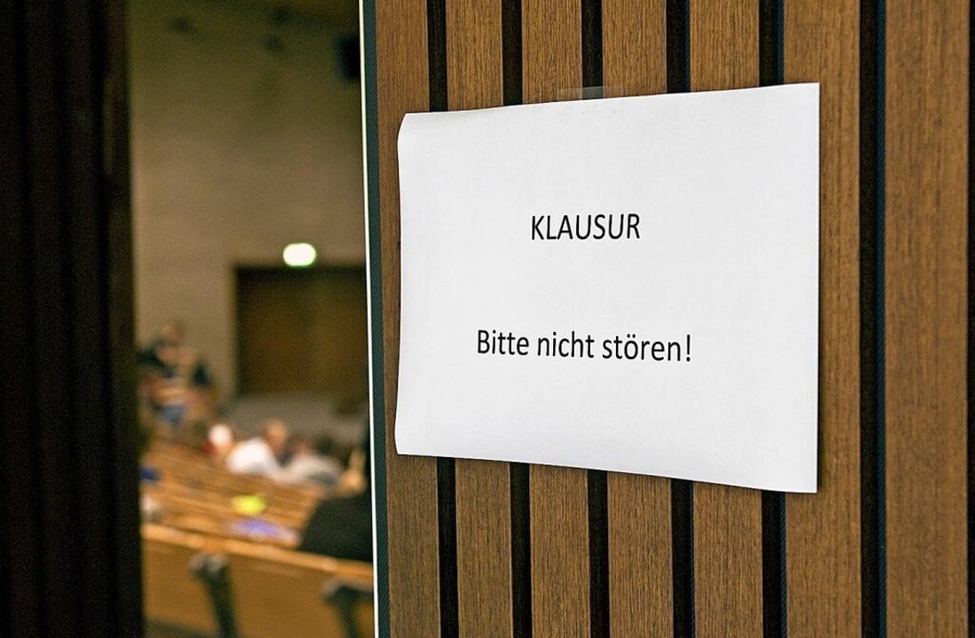 Der Lörracher Gemeinderat hat sich zur...Das Resümee fällt unterschiedlich aus.  | Foto: Jens Schierenbeck