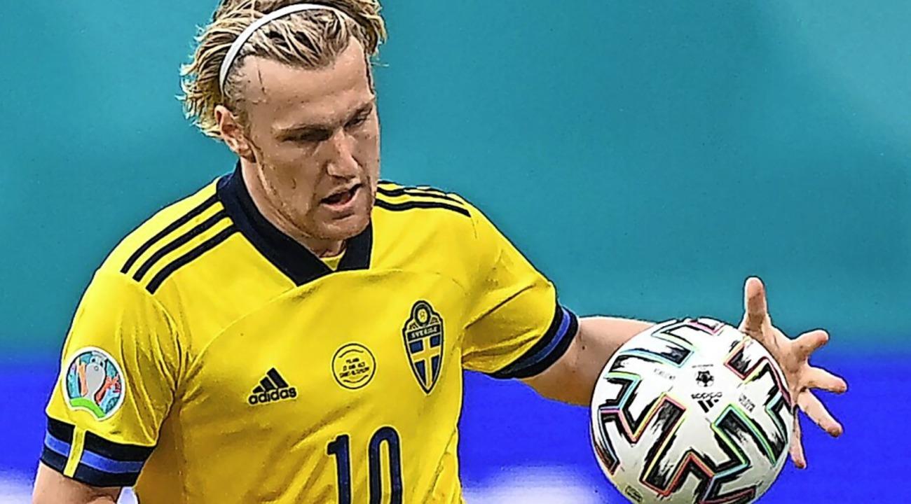 Sieht nur nach Handball aus: Emil Forsberg ist Schwedens Fußballhoffnung.    Foto: KIRILL KUDRYAVTSEV (AFP)