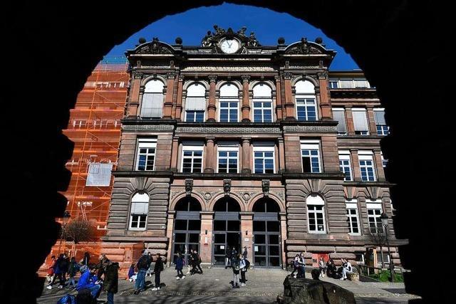 Nach Brand im Freiburger Goethe-Gymnasium soll ein Gutachten für Klarheit sorgen