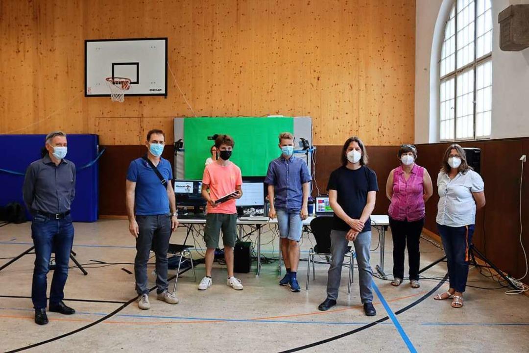 Das Team und die Veranstalter des Wett..., Helga Martin,  Elke Hach (von links)  | Foto: Aaron Hohenfeld