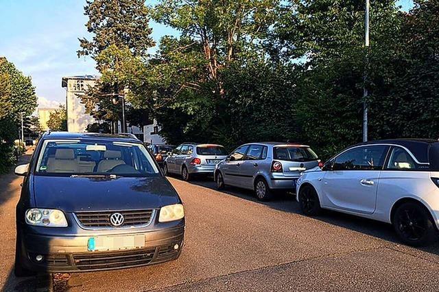 Autos blockieren in Freiburg vermehrt die Straßen