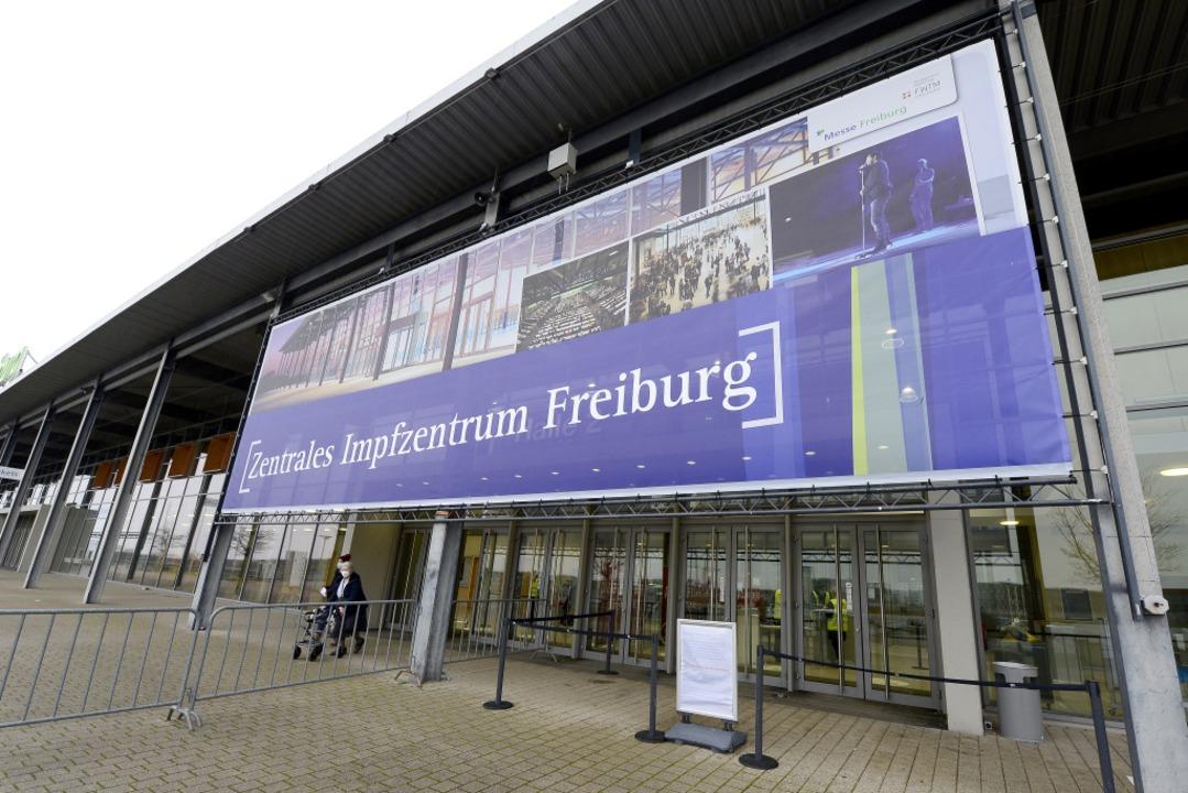 Hier kann geimpft werden: In Freiburg sind viele Termine frei.  | Foto: Ingo Schneider