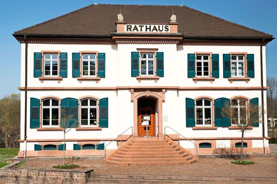 Der neue Arbeitsplatz von Tobias Fahrländer: das Rathaus in Bollschweil  | Foto: Hubert Gemmert