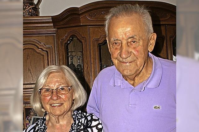 Das Wandern hält die beiden Senioren jung