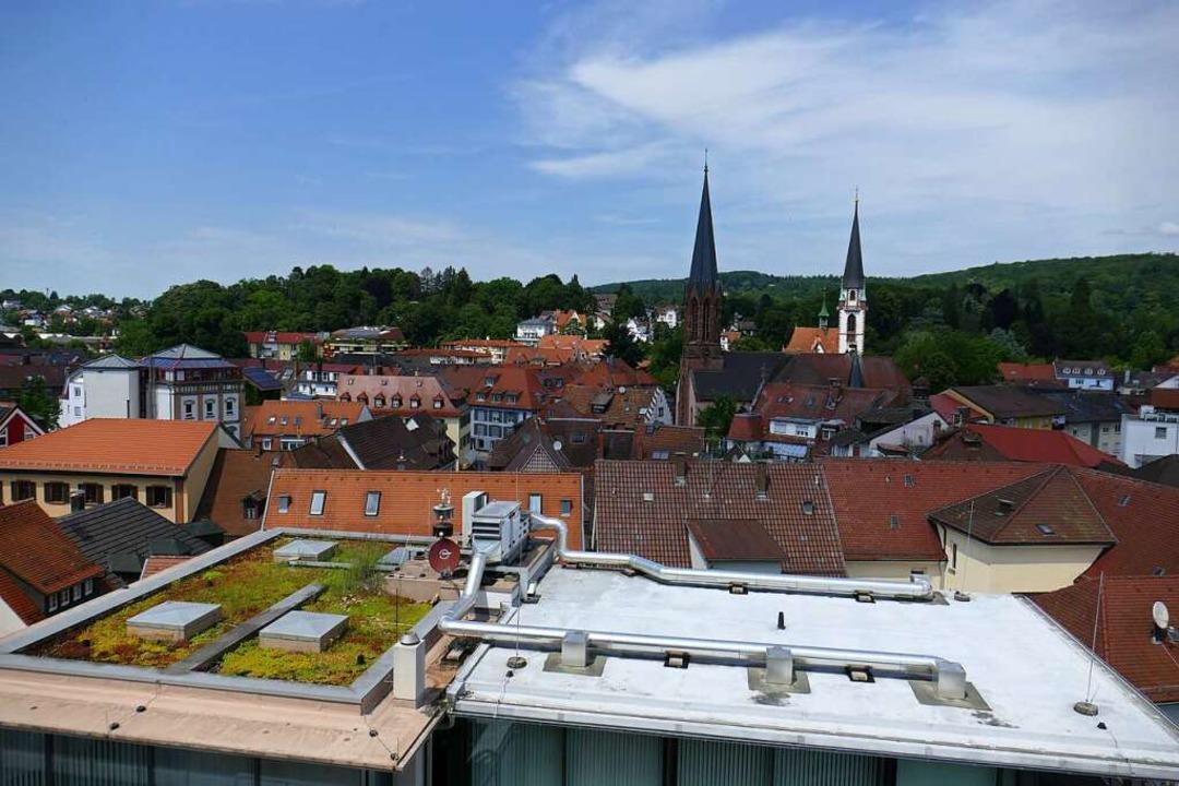 Die Emmendinger Dachlandschaft bietet ...Installation von Photovoltaik-Anlagen.    Foto: Marius Alexander