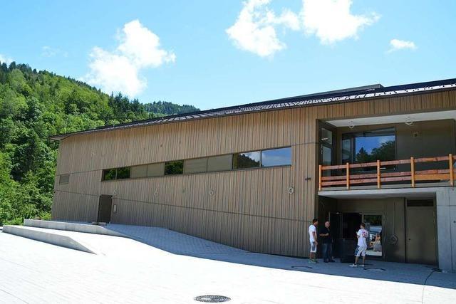 Die Vereine sind von der neuen Halle in Schönau begeistert