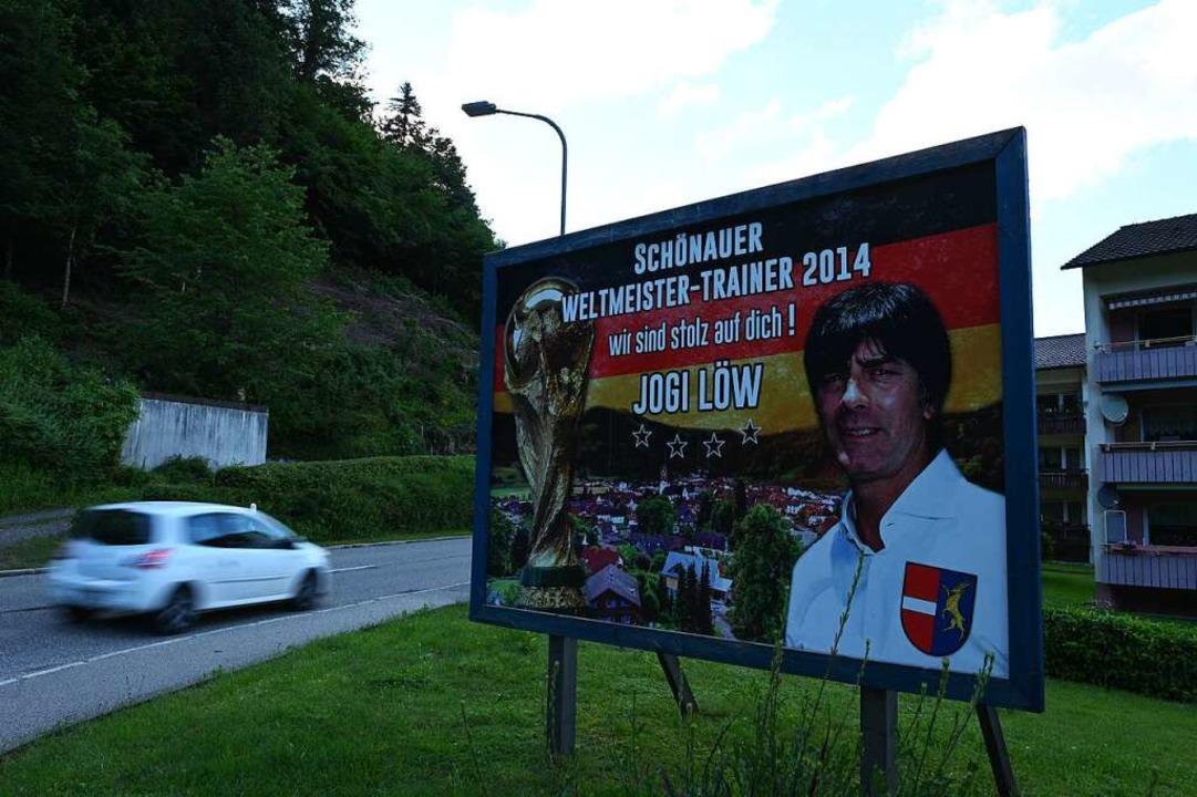 Dieses Schild steht am Ortseingang von Schönau.    Foto: Jonas Hirt