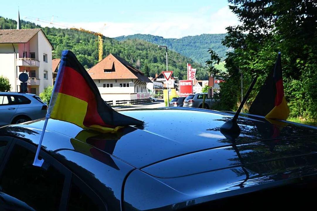 Auch Deutschland-Fähnchen gibt es dieses Jahr nur wenige.    Foto: Jonas Hirt