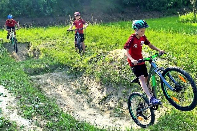 Schüler bauen einen eigenen Bike-Park