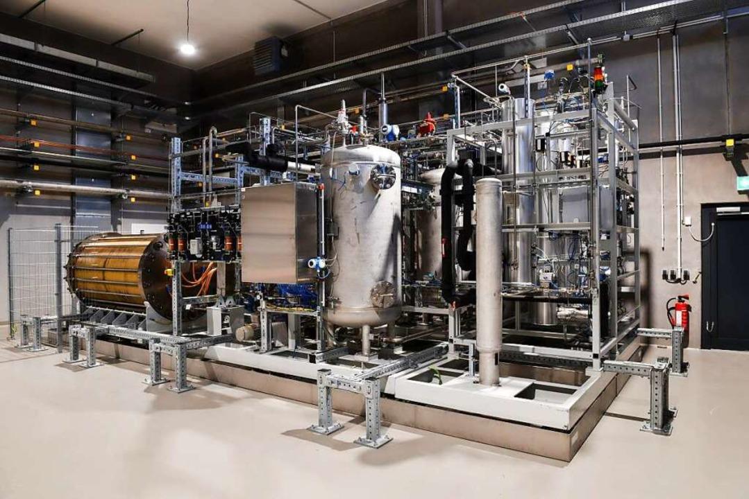 In der Anlage am Kraftwerk stellt Energiedienst Wasserstoff her.    Foto: Pressefoto Energiedienst
