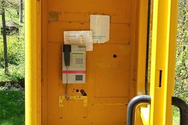 Steht die letzte gelbe Telefonzelle Deutschlands in Bonndorf?