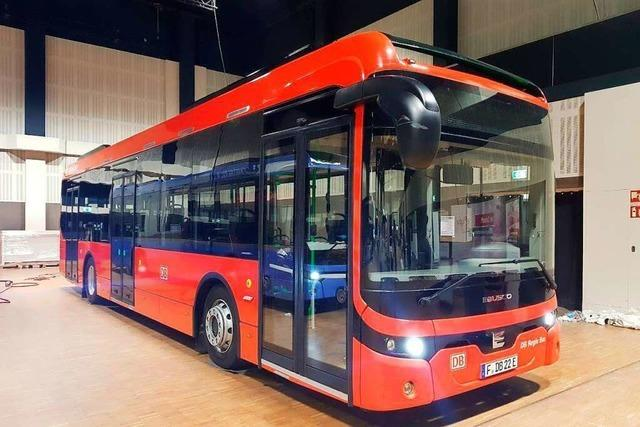 Zentraler Busbahnhof für Elzach und Test mit E-Bus
