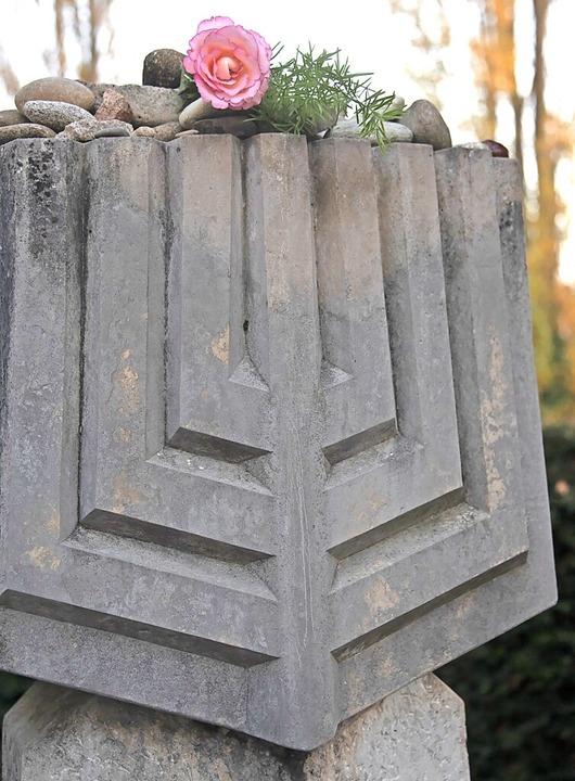 Die alte Müllheimer Synagoge wurde nac...n Gedenkstein erinnert an das Gebäude.    Foto: Volker Münch