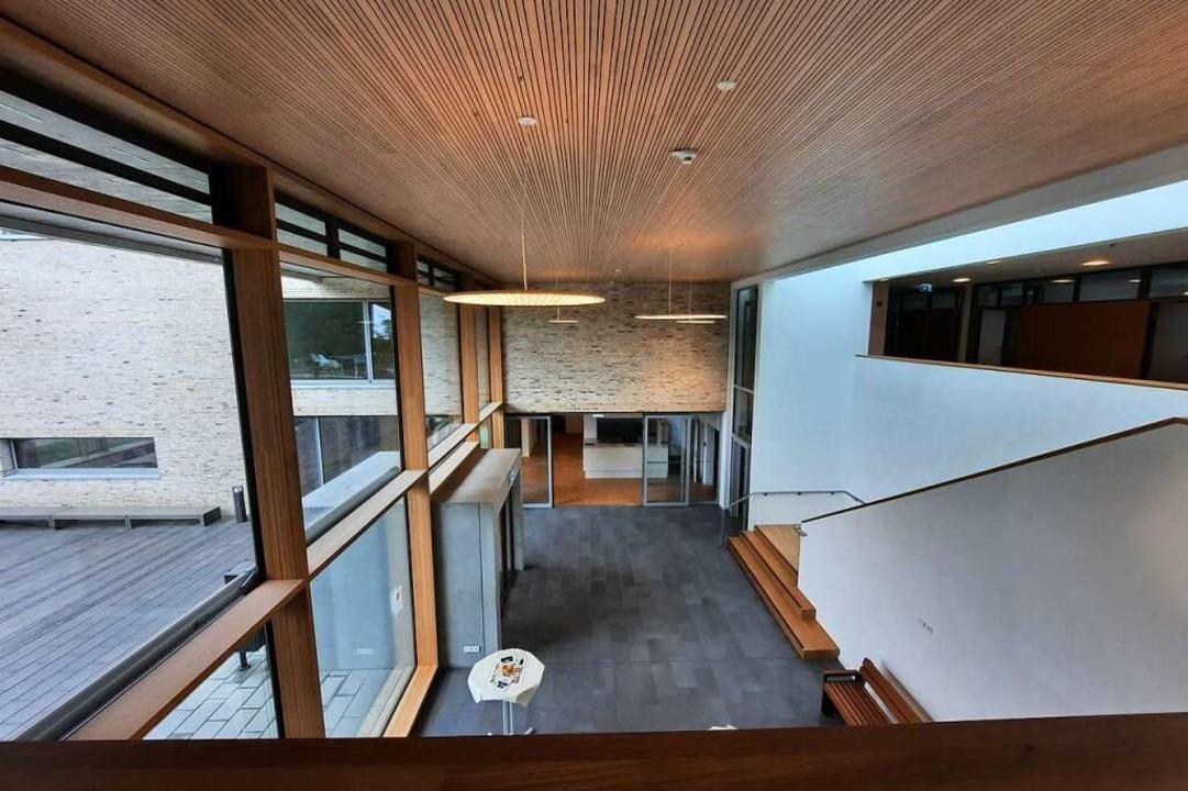 Der Eingangsbereich ist hell und großzügig gestaltet.    Foto: Sophia Hesser