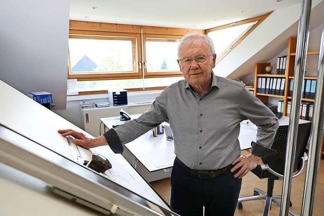 Heinz Schlager, freier Architekt und Gestalter der Gemeinde, feiert den 80. Geburtstag
