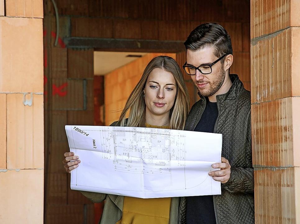 Wie viel Haus wollen wir uns leisten? ...tezimmer macht den Hausbau  günstiger.  | Foto: Bausparkasse Schwäbisch Hall