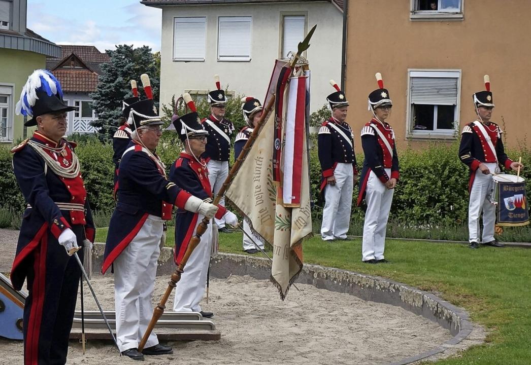 Bürgerwehr und Spielmannszug der Bürge...tag im Schlossgarten im Einsatz sein.   | Foto: