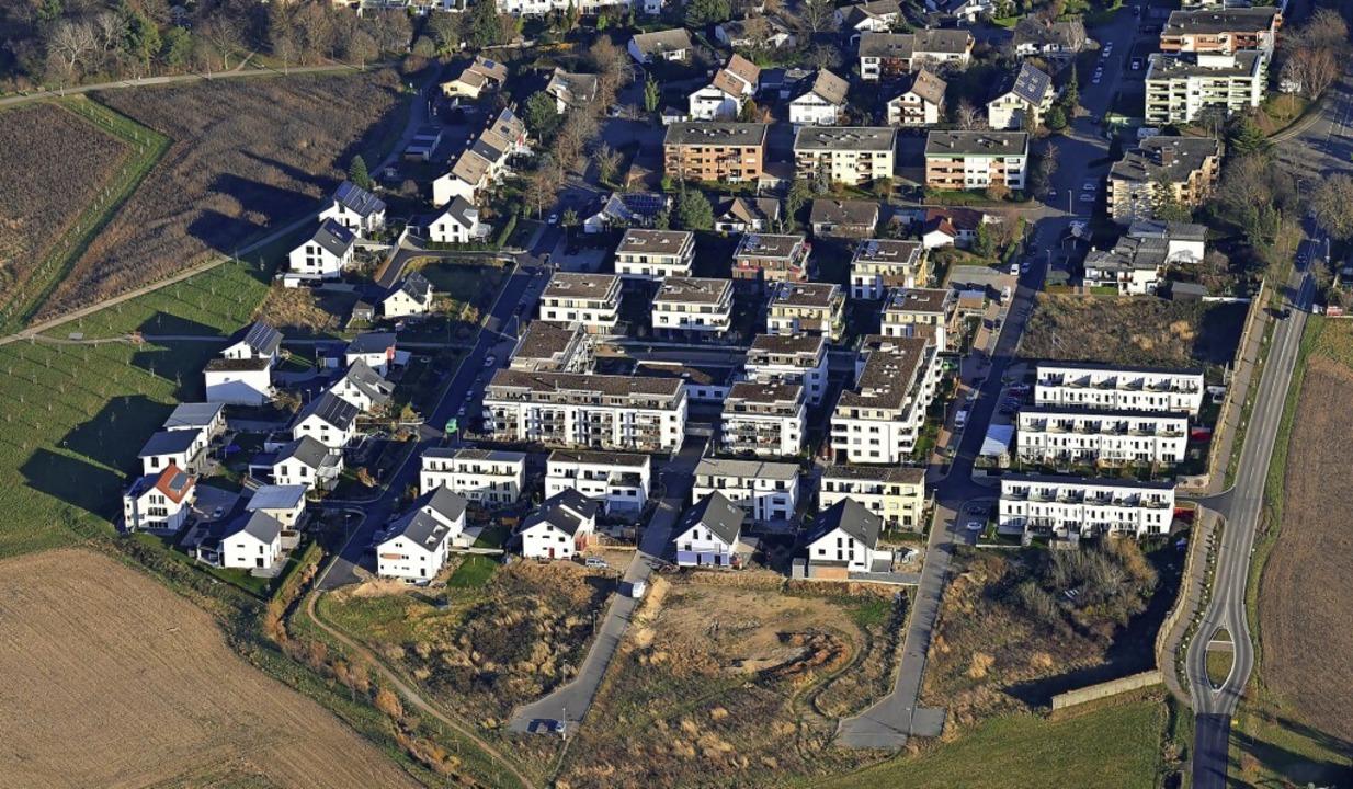 Blick aufs Staufener Neubaugebiet Rund...f zusätzliche von der Stadt veräußert.  | Foto: Erich Meyer