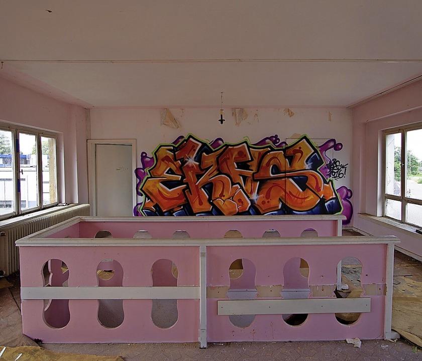 Im Obergeschoss haben sich Sprayer verewigt.    Foto: Patrik Müller