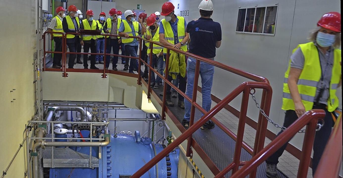 Die Besucher sehen im Rahmen der BZ-Ha...des Kraftwerks mit Ringkolbenschieber.    Foto: Christiane Sahli