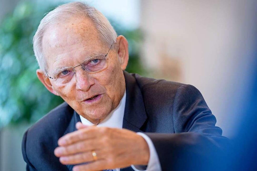 Wolfgang Schäuble (CDU) wird im Septem...r den Deutschen Bundestag kandidieren.  | Foto: Kay Nietfeld