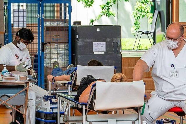 In Maulburg konnte der 20.000. Blutspender geehrt werden
