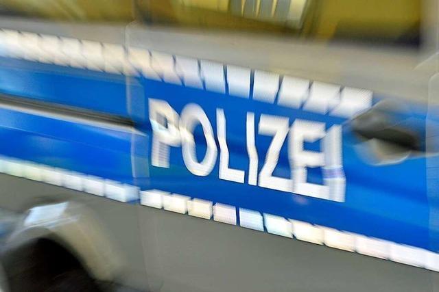 Autofahrer flüchtet in Offenburg nach Unfall mit zwei Verletzten