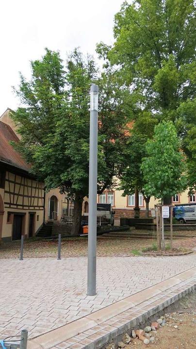 Neue Straßenlampen stehen teils schon und es ist neu gepflastert.  | Foto: Gemeinde Seelbach