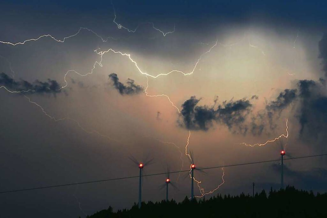 """Wegen Gewitterwarnungen wurden die Auß...immt ein"""" abgesagt (Symbolfoto).    Foto: Patrick Seeger"""