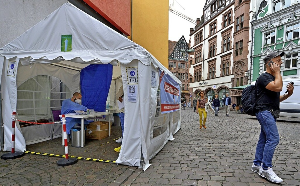 In diesem Zelt wird weiter getestet &#...iele andere sind bereits verschwunden.    Foto: Michael Bamberger