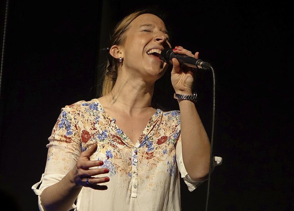 Die Jazzsängerin Lena Knobloch kommt a...hmidt zum zweiten Hofkonzert in Wehr.   | Foto: Roswitha Frey