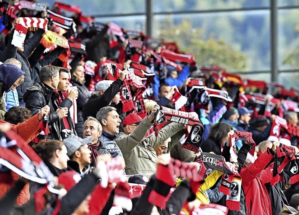 Annäherung an die Normalität: Am 27. S...urg 3200 Zuschauer ins Dreisamstadion.  | Foto: Achim Keller/SC Freiburg