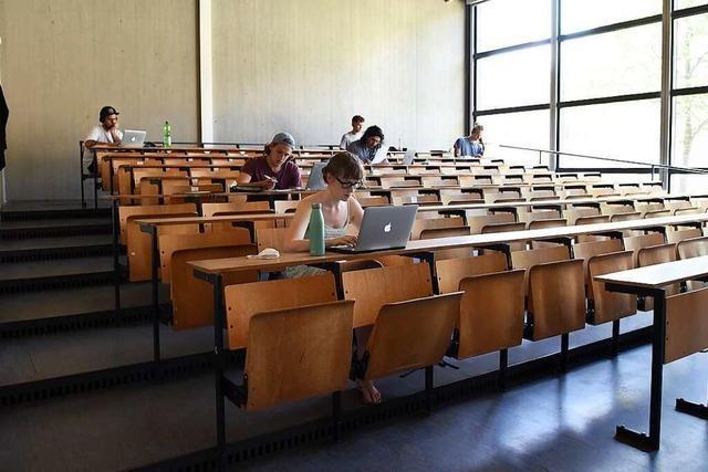 Studierende der Uni Freiburg wollen wieder mehr Präsenzlehre