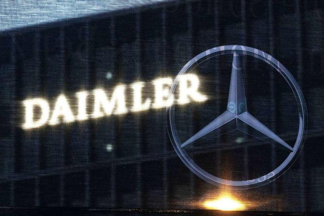 Verbraucherschützer werfen Daimler ein...vor – und verklagen den Konzern.  | Foto: Marijan Murat (dpa)