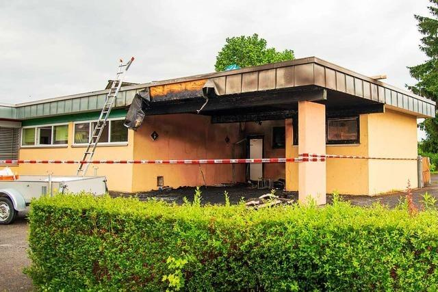 Der bei einem Brand schwer beschädigte Kindergarten wird saniert