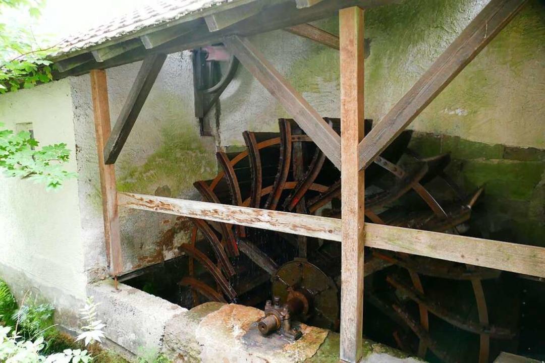 Das Wasserrad bei der Streich Mühle beginnt sich zu drehen.    Foto: Sarah Trinler