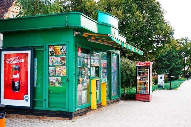 Die grünen Zeitungskioske in Polen werden abgeschafft