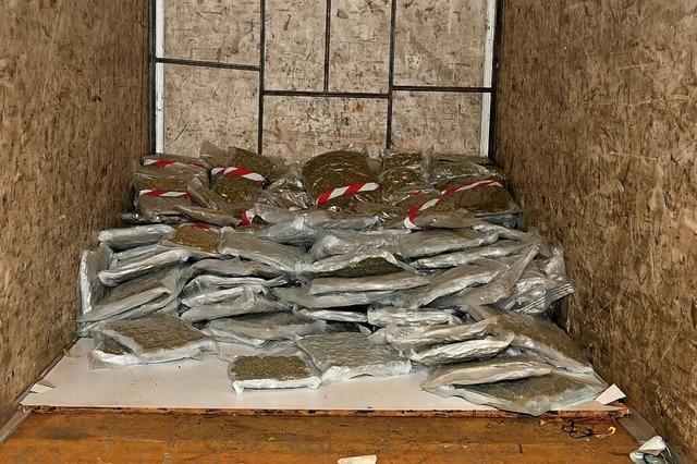 116 Kilogramm Marihuana im Anhänger eines Busses