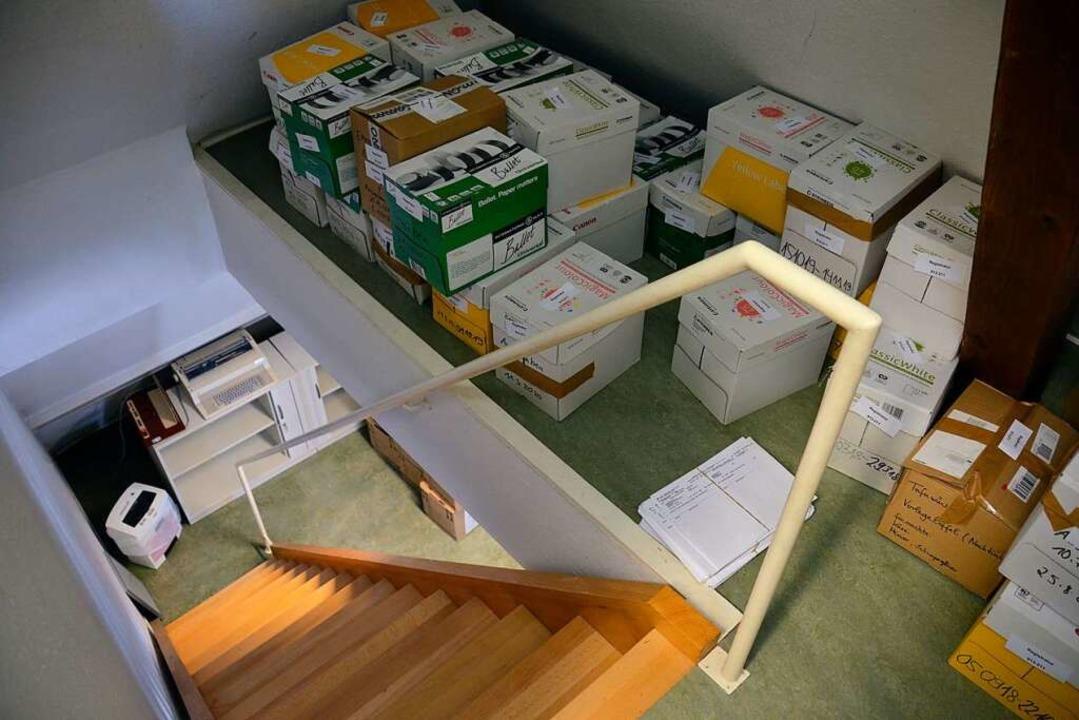 Zahlreiche Kartons mussten gepackt werden.    Foto: Sophia Hesser