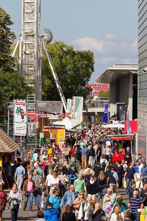 Dieses Bild einer Oberrheinmesse unter...ikumsandrang wird es 2021 nicht geben.  | Foto: Hubert_Braxmaier/Messe Offenburg